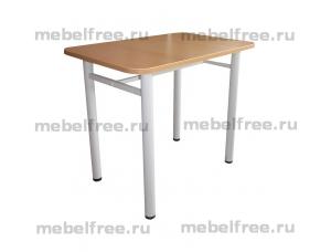 Обеденный стол из пластика на металлокаркасе